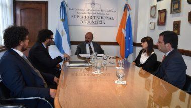 Firman adenda de colaboración para la construcción de la nueva Casa de Justicia de Tolhuin