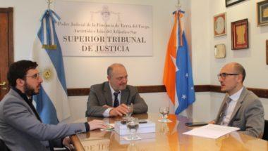 Reciben aportes para la implementación del juicio por jurados en el fuero Civil y Comercial
