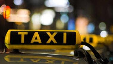 Imputan por hurto a un hombre que se apoderó de un taxi y lo chocó en el centro de Ushuaia