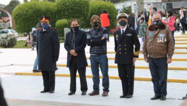 El Superior Tribunal estuvo presente en el acto de cambio de pabellón en la Plaza Malvinas