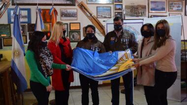 El Superior Tribunal de Justicia acompañó entrega de bandera de parte de AMJA al Centro de Ex Combatientes de Ushuaia
