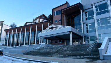 La audiencia pública entre gobierno y municipios se pospuso para el lunes